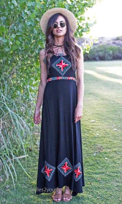 Minooka Sleeveless Embroidered Dress